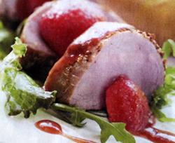 Llom de porc amb rostit de ceba i salsa de maduixa