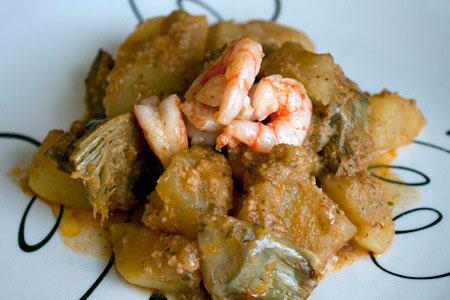 carxofes-patates-gambes-amb-romesco